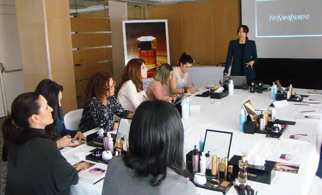 Nuestras consejeras de belleza en el curso de formación de YSL