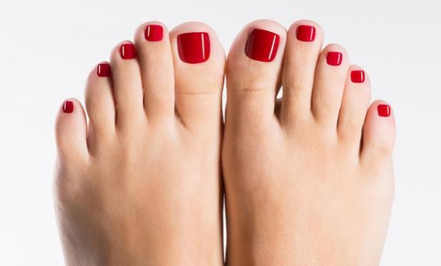 consejos-para-cuidar-pies-maquillaje-pedicura