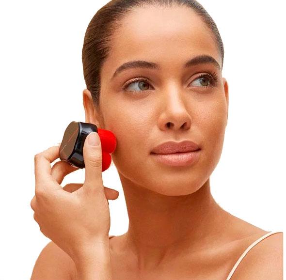 Hanatsubaki Hake Brush de Shiseido. Brocha de maquillaje para diferentes texturas.